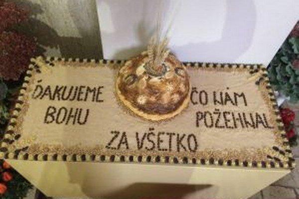 Nechýbal ani po domácky upečený chlieb.