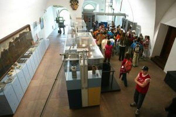 Výstava v kremnickom Múzeu mincí a medailí potrvá do stredy.
