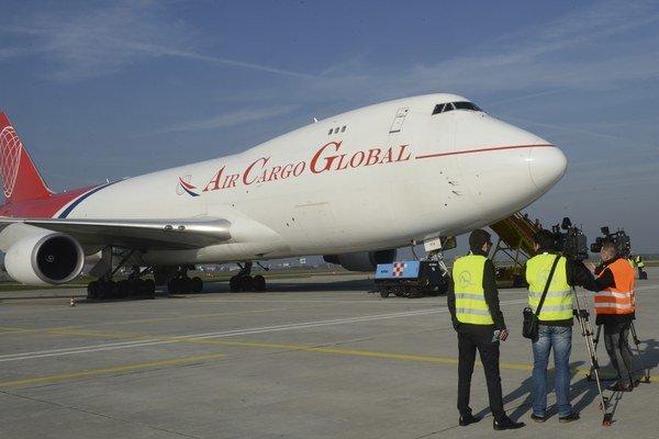 Prvý slovenský nákladný Boeing 747-400SF.