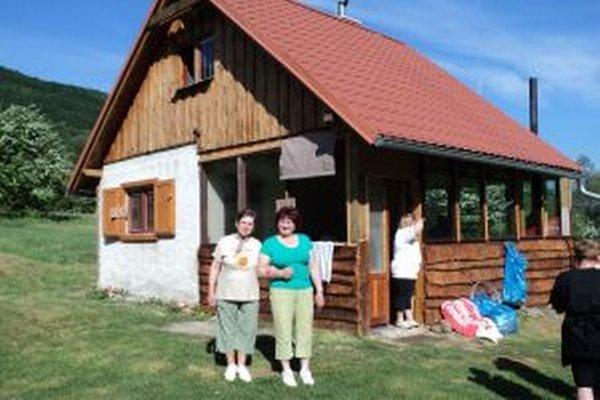 Vyhľadávaná chata sa nachádza v tekovskobreznickej časti Chválenie.