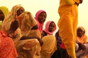 Najdlhší bozk film z tábora pre utečencov v Sudáne.