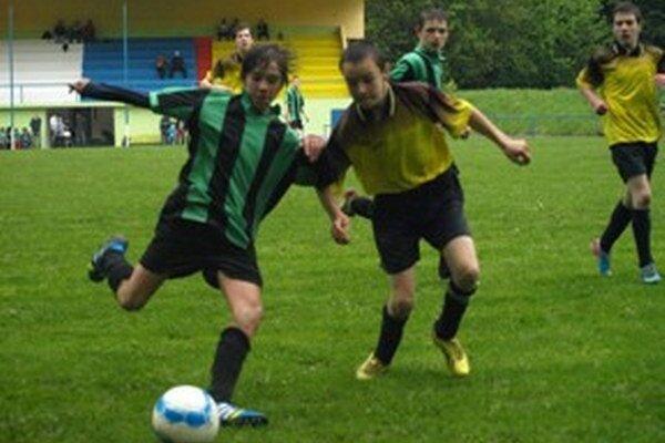 Snímka zo zápasu starších žiakov Kremnica - Št. Bane.
