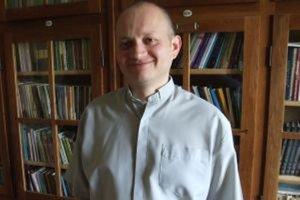 Poľský farár Adam Walczuk nestihol požiadať o doplnenie do zoznamu voličov.