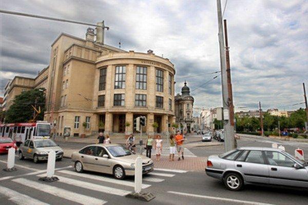 Rekonštrukcia Starého mosta a zmeny v dopravnom systéme ovplyvnia v najbližšom období organizáciu dopravy na Štúrovej ulici i Šafárikovom námestí.
