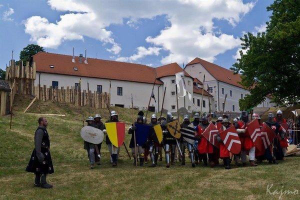 Na Červenom kameni sa majú stretnúť rytieri z celého Slovenska aj spoza hraníc.