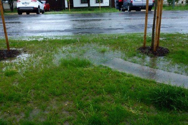 Časť Istrijskej ulice po daždi.
