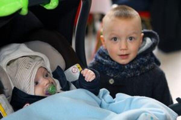 Zo sedemdesiatich novorodencov bolo 45 chlapcov.