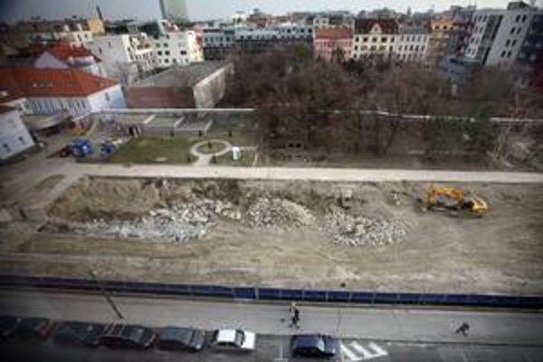Pôvodnú nemocnicu zbúrali pred 2,5 rokom.