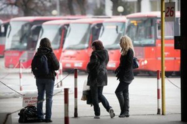 Projekt by sa mal v prvej fáze rozbehnúť na trasách medzi Bratislavou a obcami na Záhorí.