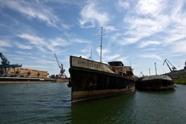 Loď Šturec dnes kotví v zimnom prístave.