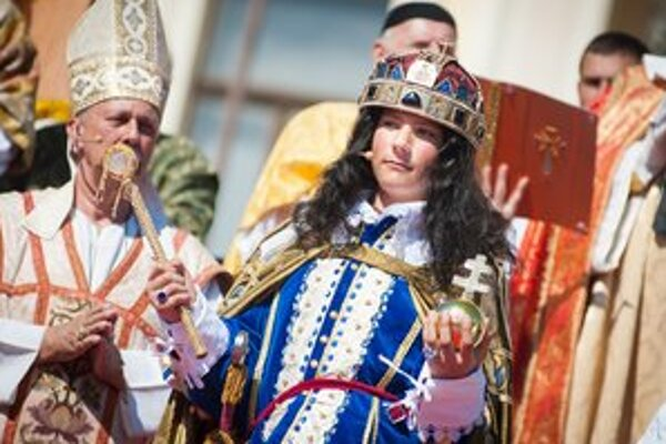 Na korunovačných slávnostiach dostal do rúk žezlo Leopold I.