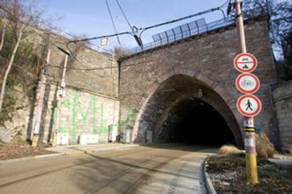 Električkový tunel mali otvoriť 1. júna, dnes sa hovorí o septembri.