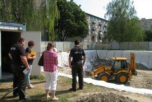 Samospráva bude žiadať, aby stavebník pozemok vrátil do pôvodného stavu.