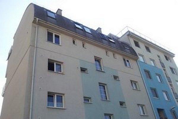 V byte na Koceľovej ulici bývali manželia bez toho, aby majiteľovi platili nájomné.