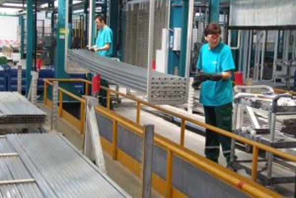 Nová hala zachovala prácu pre 70 ľudí. Ďalších 40 spoločnosť Sapa Profily ešte zamestnala.