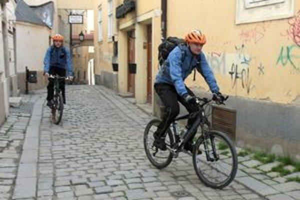Staré Mesto nie je zatiaľ pre cyklistov ústretové. Návrhy ako situáciu zlepšiť mestskej časti adresovali zástupcovia Cyklokoalície.