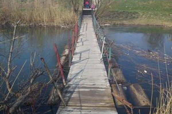 Lávku nahradí nový pontónový mostík.