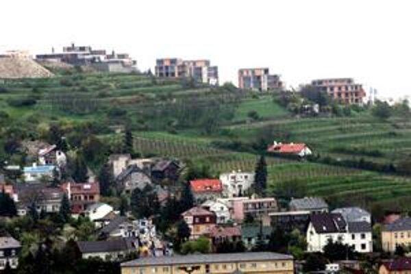 Mnohé bývalé vinohrady v Bratislave už podľahli výstavbe.