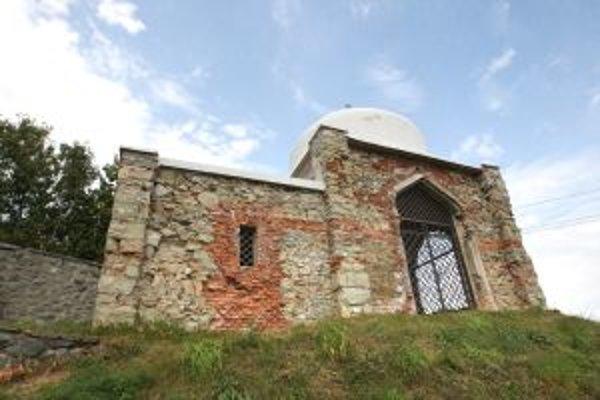 Exteriérové omietky židovského domu smútku obnovia v najbližších mesiacoch.