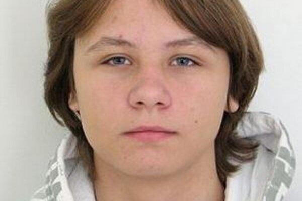 Polícia pátra po nezvestnom mladistvom 16-ročnom Reném Kirkovi.