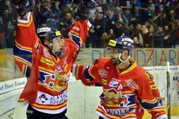 Radovan Puliš (vľavo) sa teší z otvárajúceho gólu Zvolena.