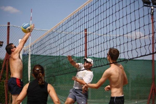 Sobota sa bude v Miloslavove niesť v duchu netradičného volejbalového turnaja manželských párov.