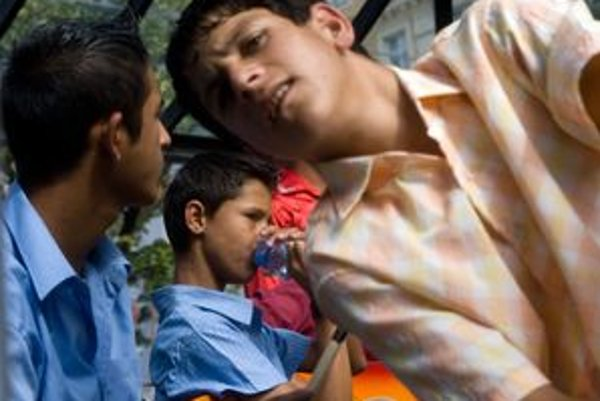 Mladí rómski hudobníci