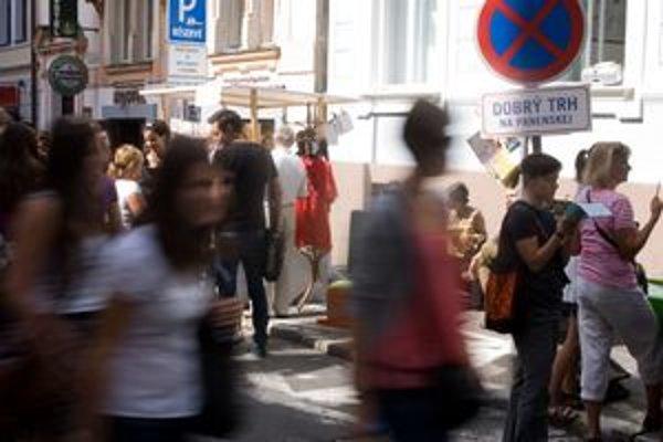Panenská dostala nové značky - s nápismi ako Dobrý trh či Detská burza.