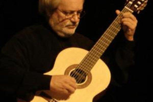 Jeden z najuznávanejších svetových interpretov klasickej gitarovej hudby Jorge Cardoso.