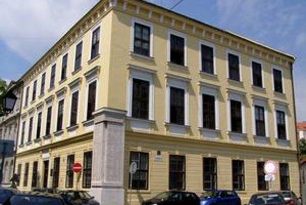 Pravdepodobne najznámejšou pamiatkou na obrodencov je evanjelické lýceum na Konventnej ulici.