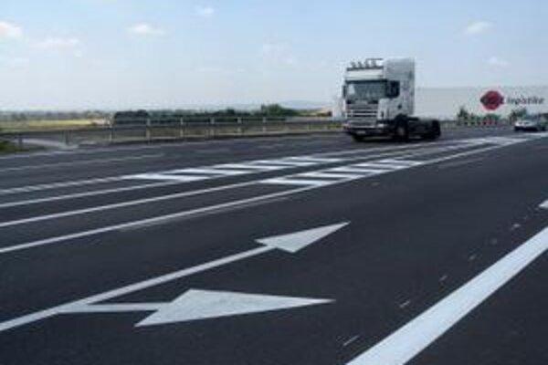 Zrekonštruovaný diaľničný privádzač pri Senci už vodiči môžu užívať.