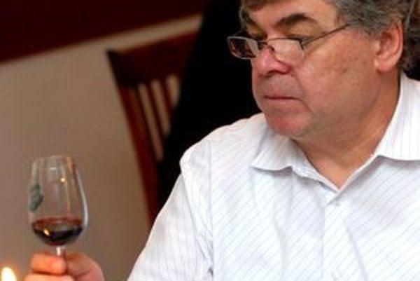 Jeden z najznámejších slovenských vinárov a gastronómov - Peter Matyšák.