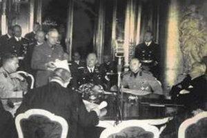Čítanie protokolu Viedenskej arbitráže.