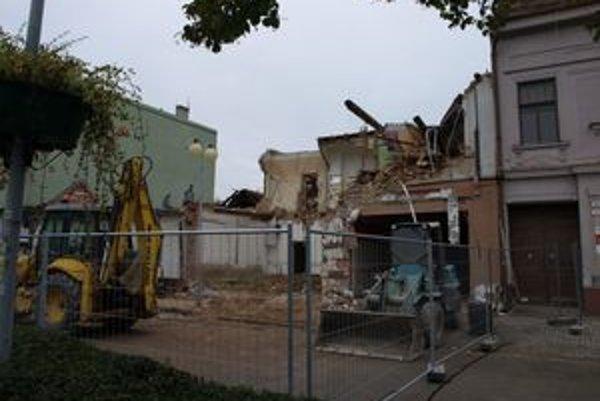 Zemné práce na Lichnerovej ulici prebiehajú bez archeologického výskumu.