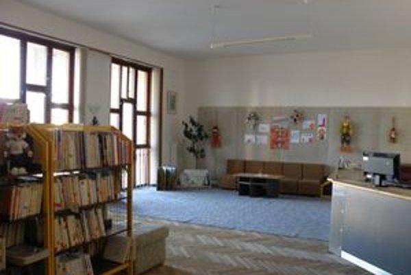 Na mieste galérie je dnes knižnica.