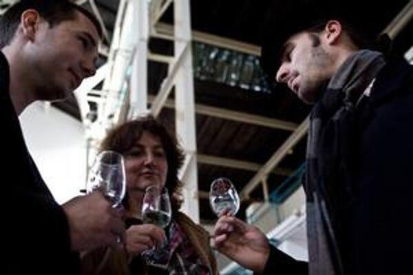Ochutnávka svätomartinského vína trvala včera sedem hodín.
