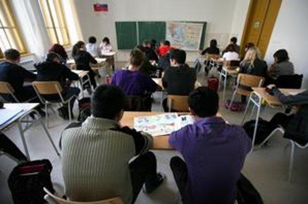 Počas dní  otvorených dverí niektoré školy umožnia záujemcom o štúdium pozrieť si aj vyučovanie.