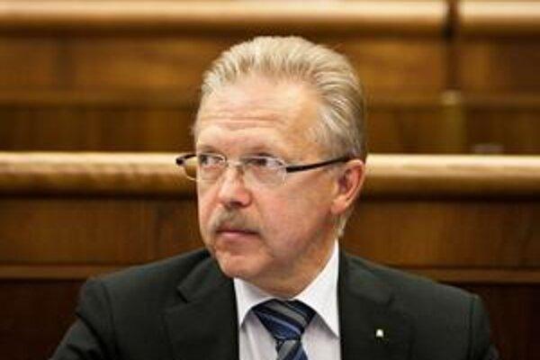 Odchádzajúci primátor Ďurkovský má zo zákona nárok na 29 635 eur ako odstupné. Časti tejto sumy sa chce vzdať a venuje ju na dobročinné účely.