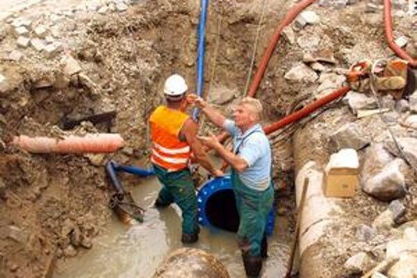 Spoločnosť Infra Services robí pre vodárne napríklad opravy a údržbu potrubí.