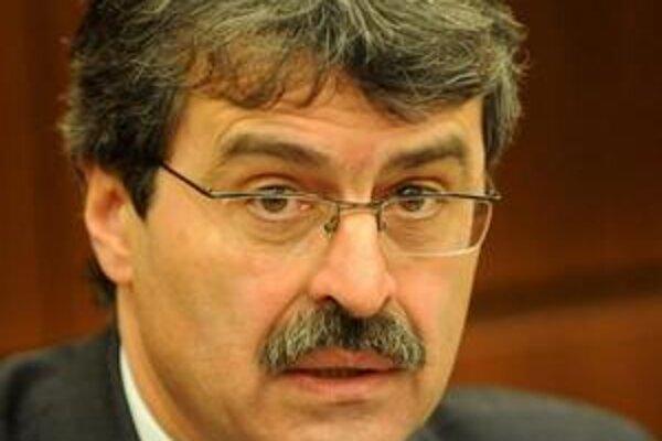 Primátor Milan Ftáčnik chce PKO späť.