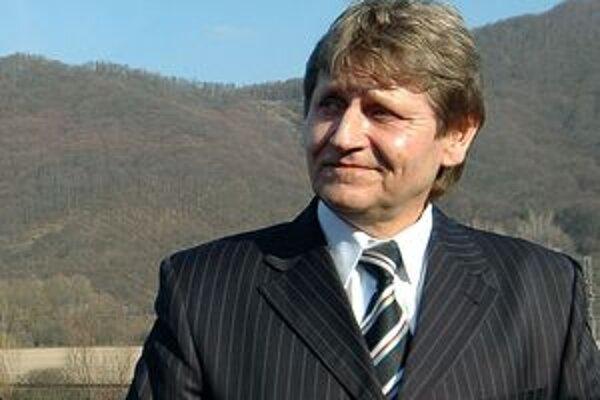 Na primátora Žarnovice kandiduje aj súčasný, Kamil Danko.