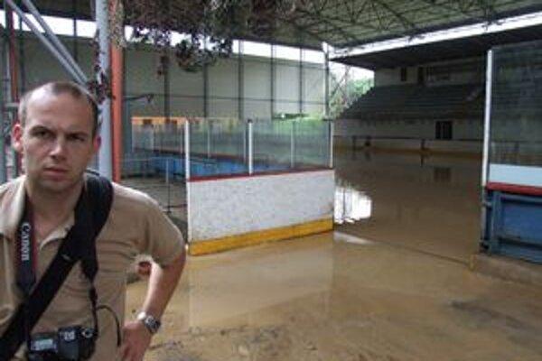 Žiarsky zimný štadión zaplavila voda už tretíkrát za pár mesiacov.