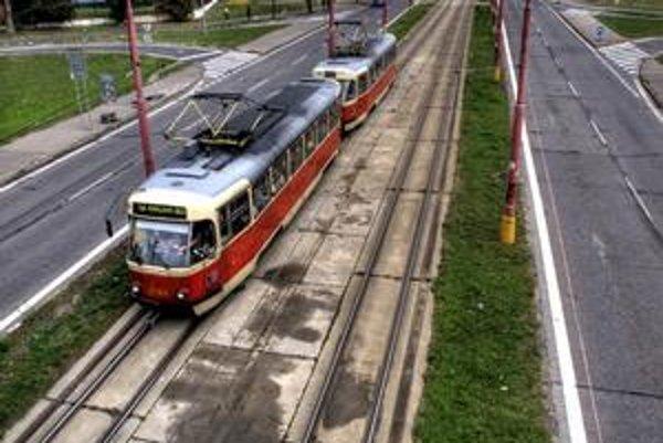 Poslanci nesúhlasili s výsledkami dopravnej štúdie k predĺženiu Ružinovskej.