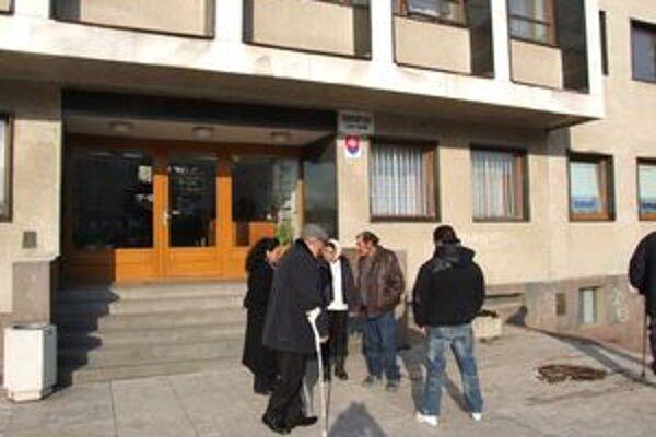Bývalá kosorínska starostka dnes na súd neprišla.