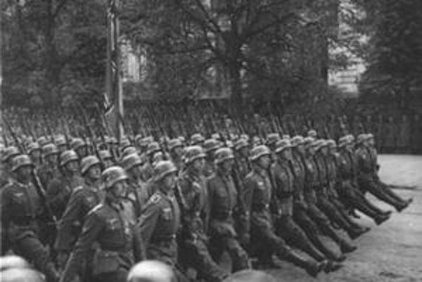 Nemecké vojsko obsadilo Petržalku v októbri 1938.