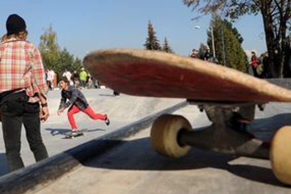 Skejtpark plánuje mesto otvoriť už v máji. Postavia ho v areáli jednej zo žiarskych škôl.