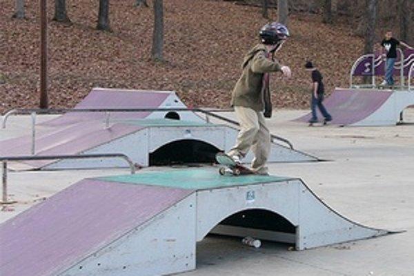 Skatepark v Žarnovici zatiaľ chýba.