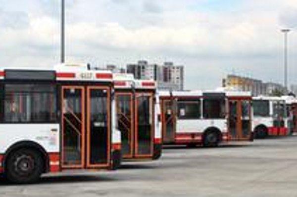 Mnohé autobusy jazdia po svojej životnosti.