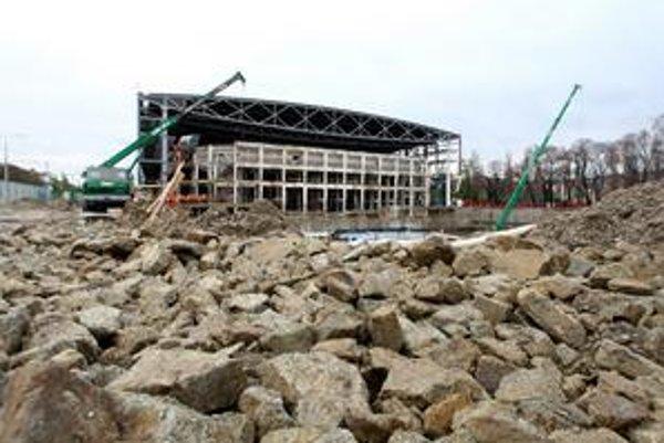 Rekonštrukcia zimného štadióna sa začala v máji minulého roka.