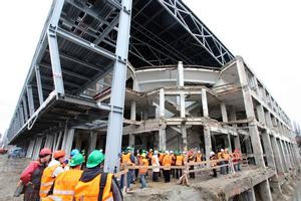 Zimný štadión O. Nepelu sa približne o rok má zmeniť na modernú multifunkčnú halu.